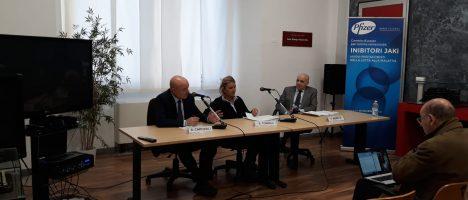 Artrite reumatoide: 240mila malati in Italia.  La ricerca s'impone contro la malattia invalidante