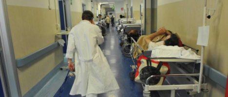 Infermieri, operatori sanitari e pazienti a rischio di contrarre malattie, anche mortali, in Ospedale