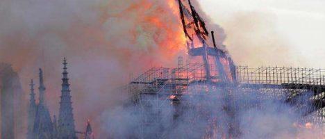 Brucia Notre-Dame, brucia la storia d'Europa