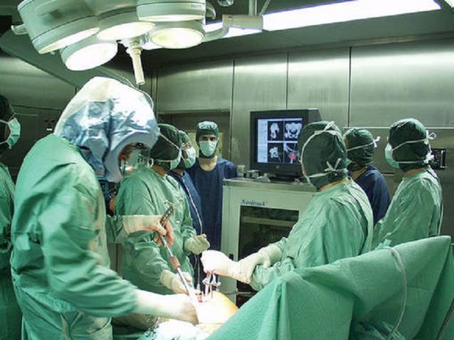 Al Policlinico di Messina eseguita la prima tiroidectomia transorale robotica in Europa