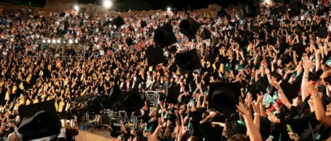 Cerimonia consegna diplomi a Taormina: serata di grandi emozioni per la comunità accademica
