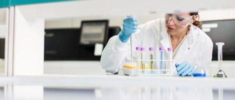 Cambridge, pronto un test che in 90 minuti diagnostica il covid-19