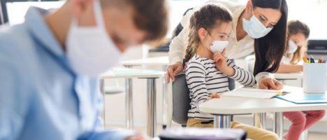 Inizio scuola: come distinguere il raffreddore dai sintomi del Covid-19