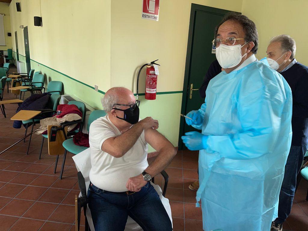 """Vaccini dell'Ordine dei medici e odontoiatri di Messina all'ex Mandalari: """"buona la prima"""""""