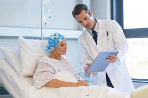 Maggiori tutele sul lavoro per i pazienti con tumore: alla Camera l'audizione per esaminare le 5 proposte di legge sulla conservazione del posto di lavoro e i permessi retribuiti per esami e cure
